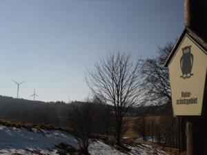 Windräder am Naturschutzgebiet